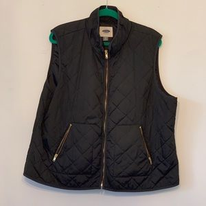 Old Navy thin quilted nylon vest